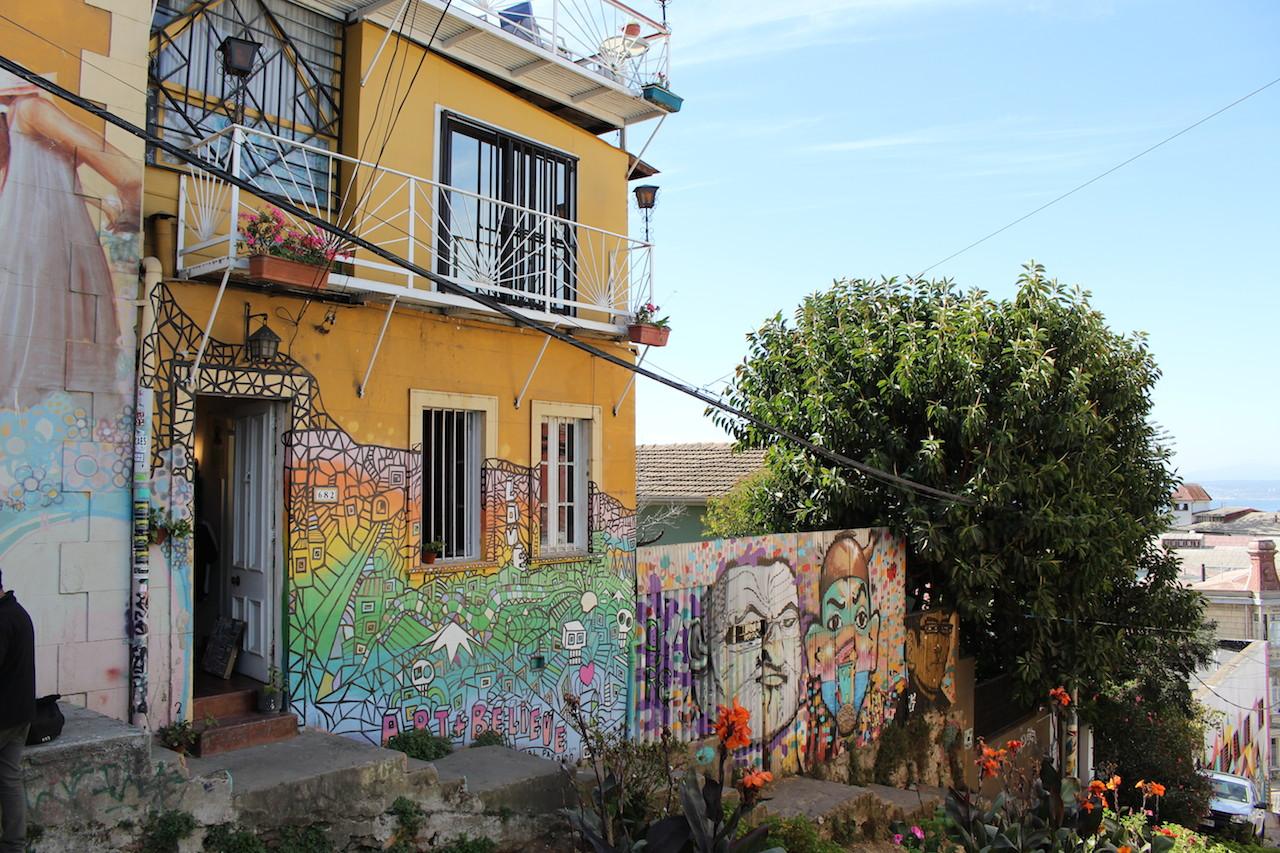 Day trip to Viña del Mar and Valparaíso / Chile4u