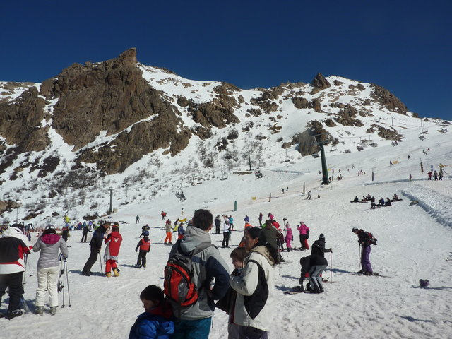 Cerro Catedral has ski facilities for every level / Credit: Daytours4u