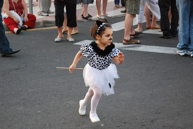 From young to old, everyone gets into the Carnival spirit / Source