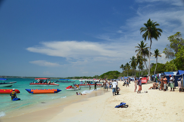 Best beaches in Cartagena: Isla Baru