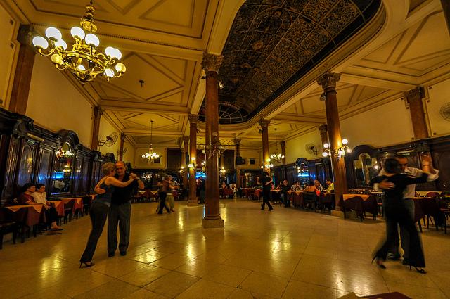 Confeitaria Ideal, o Templo do Tango em Buenos Aires!