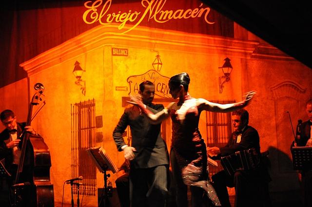 El viejo Almacen, Casa de Tango