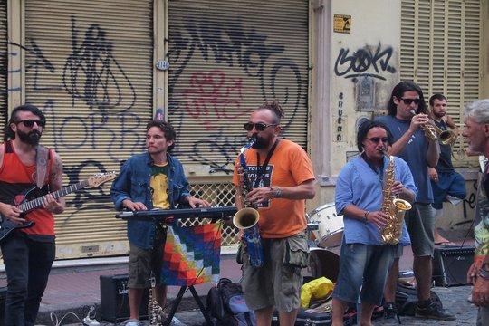 Il y a tout types de musique et partout a Buenos Aires, pas seulement du Tango...