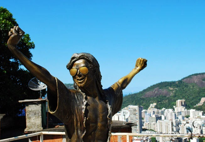 Laje Michael Jackson Rio, celebre statue du chanteur ou il y a tournee un de ces clips- Rio de janeiro