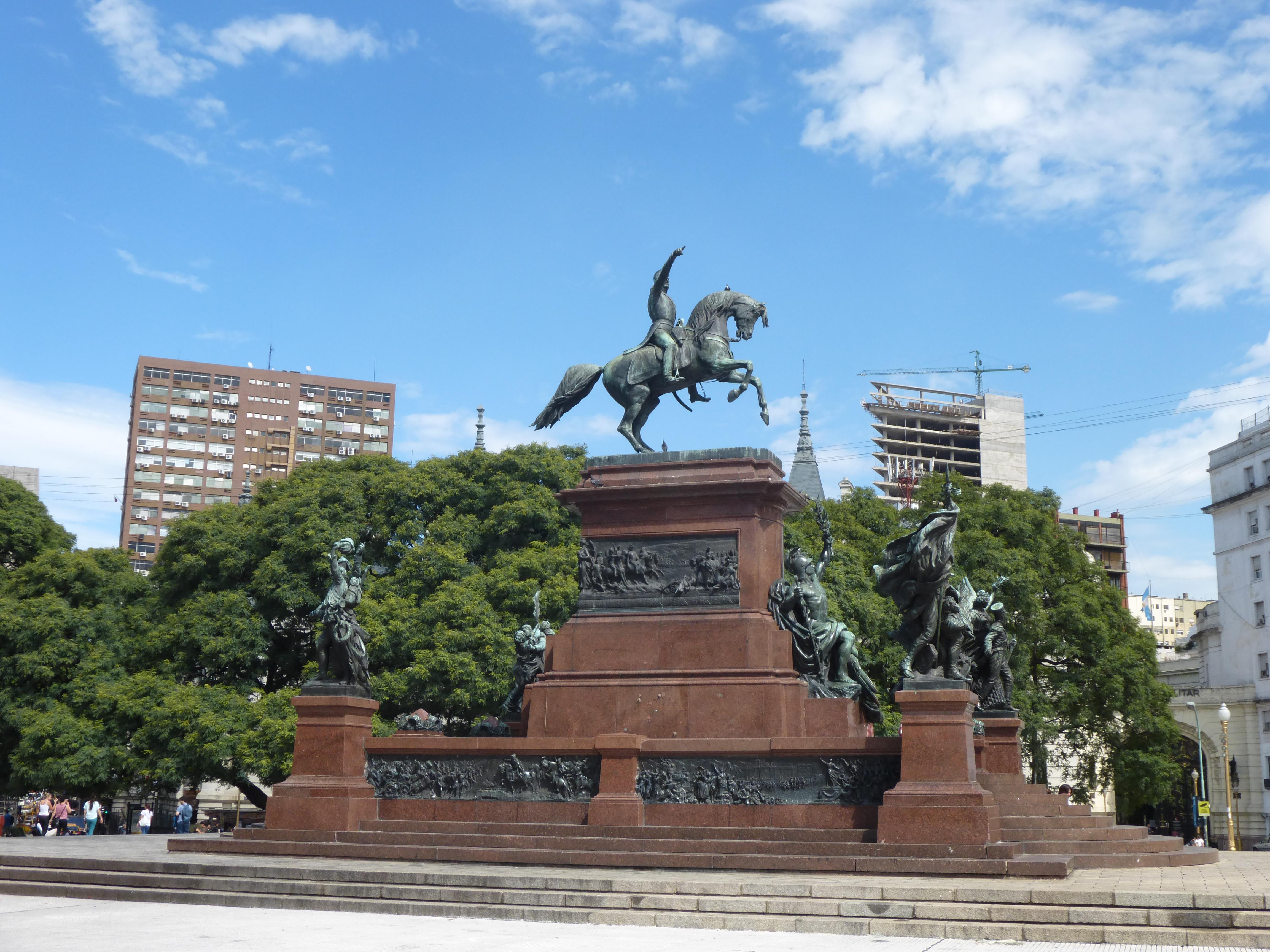 Statue du Général San Martin, Libérateur de l'Argentine / source: photo personnelle