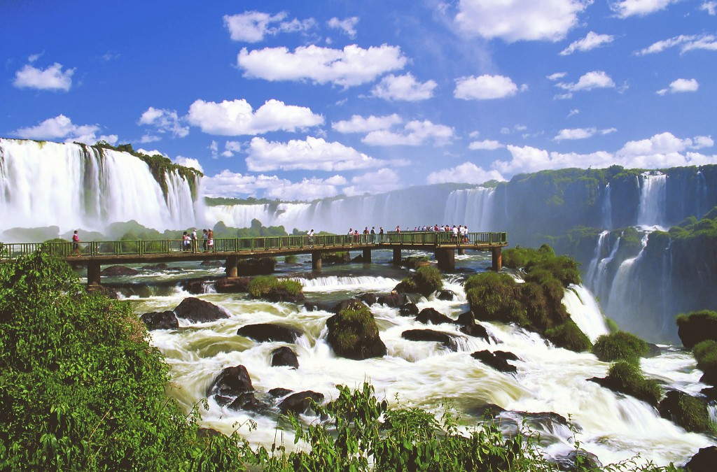 Brazilian side Iguazu Waterfalls - Argentina4u